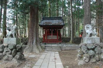 八幡神社正面