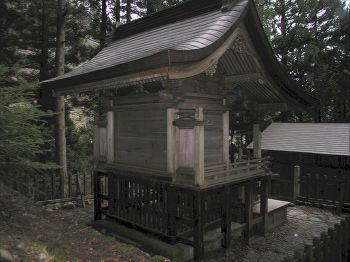 若子神社の本殿左裏から