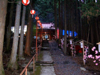 久次良薬師堂遠景2(道中中程の様子)