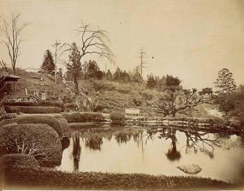 幕末・明治の古写真 (大日堂と庭園3(1876)) 日本カメラ博物館蔵