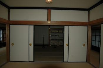 床の間と違い棚