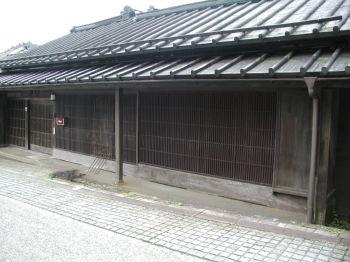 連子格子1 (田母沢御用邸を背に、右手一番手前)